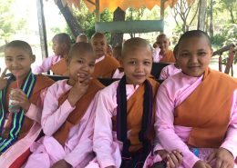 Ausflug Nonnen Yangon