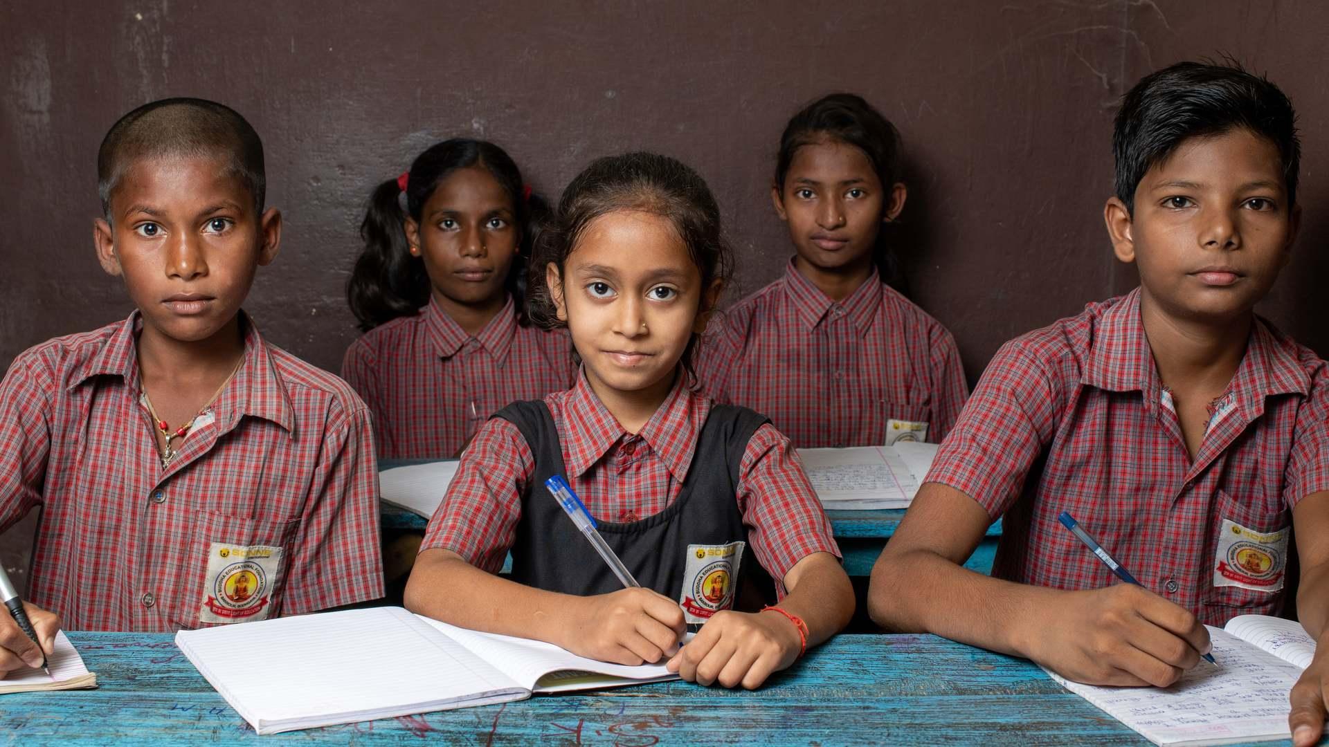 Nur Bildung hilft sich langfristig aus der Armut zu befreien.