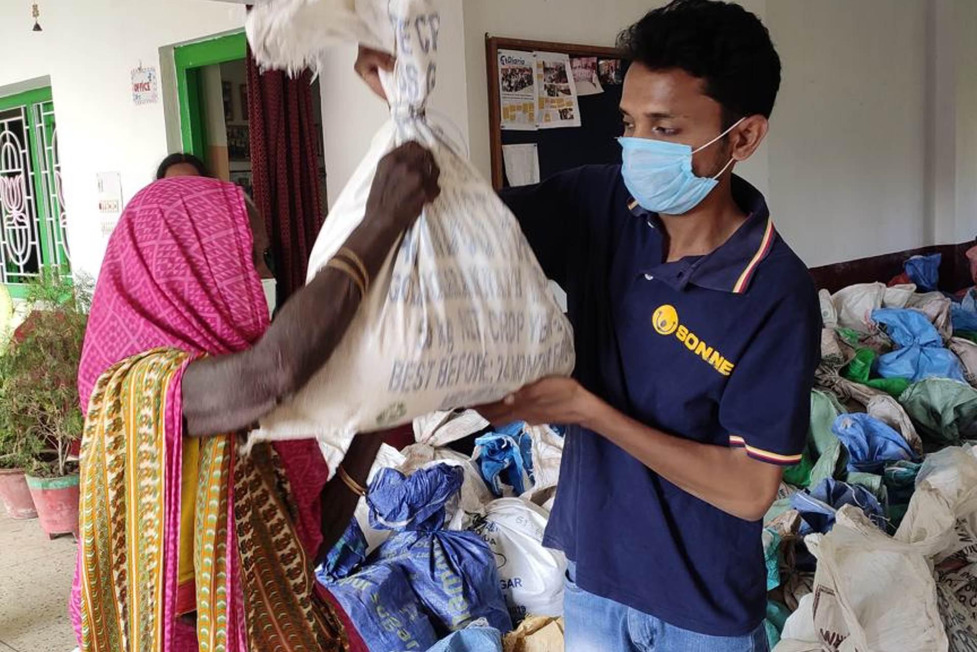 Corona Katastrophe in Indien - SONNE-International hilft